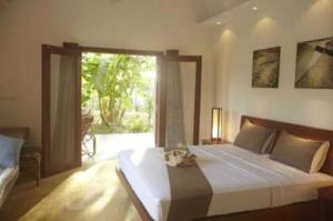 Battambang Resort - $65/nt