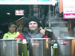 Sugarcane juice vendor in Pai