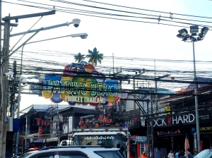 Electrical lines in Patong
