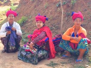 Pa-O tribe women