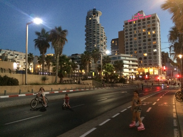 Dusk on Yom Kippur - no cars on a normally busy street