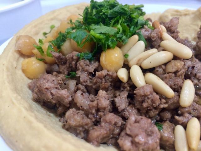 Hummus with beef/lamb & pine nuts