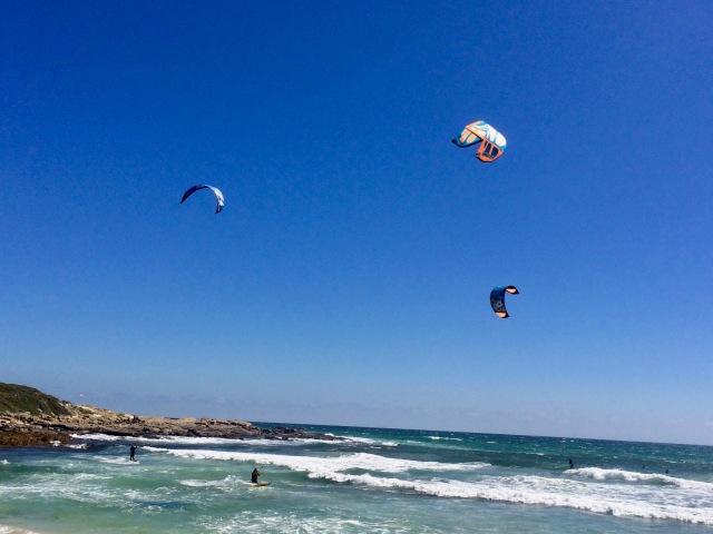 Gas Bay - Kite surfers